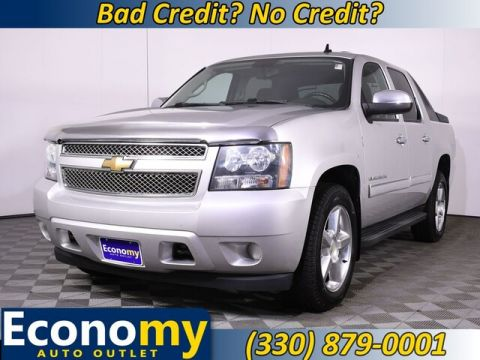 Pre-Owned 2010 Chevrolet Avalanche 1500 LS